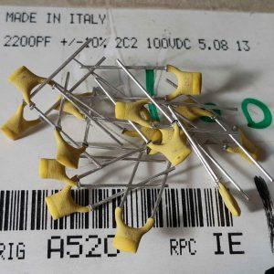 خازن 2.2 نانو فاراد 100 ولت های فرکانسی