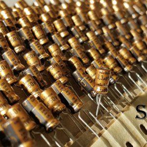 خازن های فای نیچیکون 3.3 میکرو فاراد 50 ولت