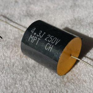 خازن اکسیال 4.3 میکرو فاراد 250 ولت