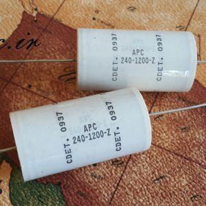 خازن 20 میکرو فاراد 1200 ولت آمریکایی